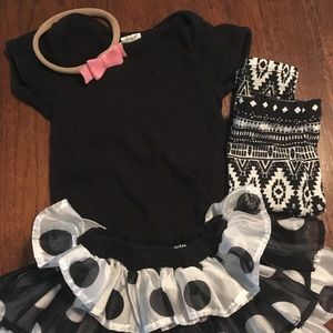 Other - ADORABLE OUTFITS! With handmade headband